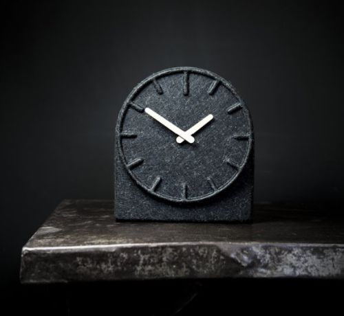 Zegary sto³owe