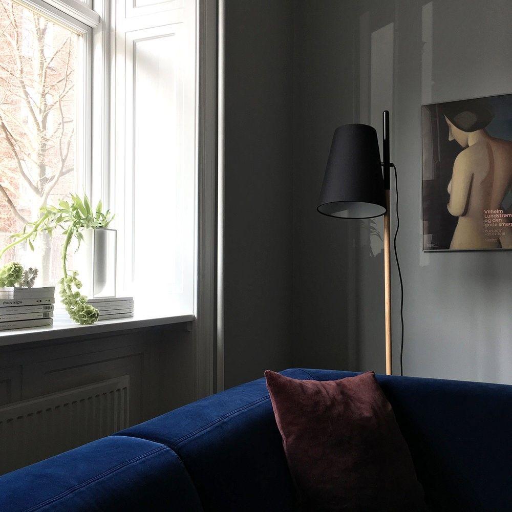 LAMPA PODŁOGOWA HIDEOUT DĘBOWO CZARNA FRANDSEN