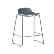 Krzesło Barowe Form Na Chromowanych Płozach Niebieskie Normann Copenhagen